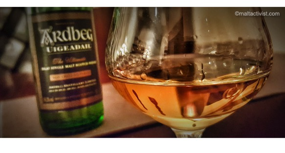 Ardbeg Uigeadail 2005,Ardbeg Uigeadail,Ardbeg Uigeadail tasting notes,Ardbeg Uigeadail review,ardbeg,ardbeg review,ardbeg tasting notes,single malt,single malt review,whisky,whisky review